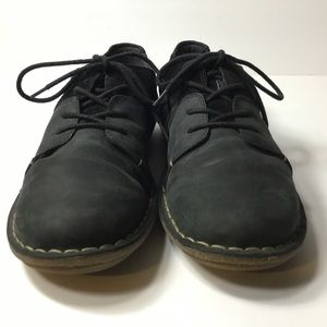 CLARKS Womens Black Leather/Suede Comfort Oxfords